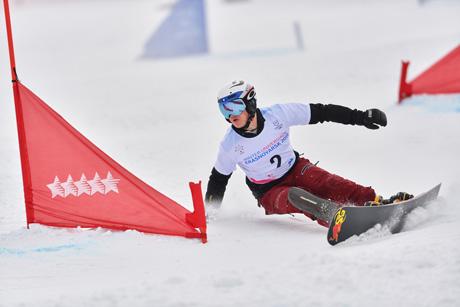 bc4157b5e1f Един сноубордист. Една мечта. Много тренировки и хора вярващи в него.  Димитър Ганчев, на 24 години, студент в Медицинския университет Пловдив, ...